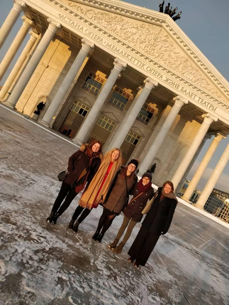 opera i Astana.jpg